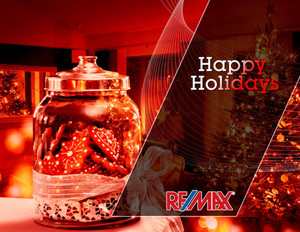 Button to customize design Remax Holiday Greeting Cards Portrait Template: 603043