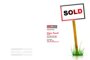 Button to customize design Royal LePage Pocket Folders Template: 500431